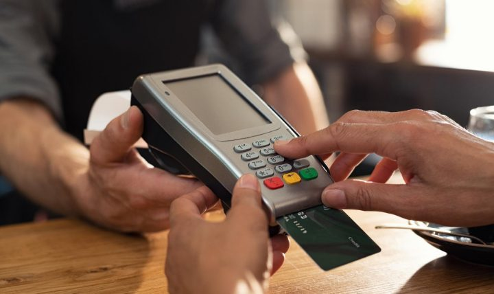 クレジットカードの使い方【手数料は?】