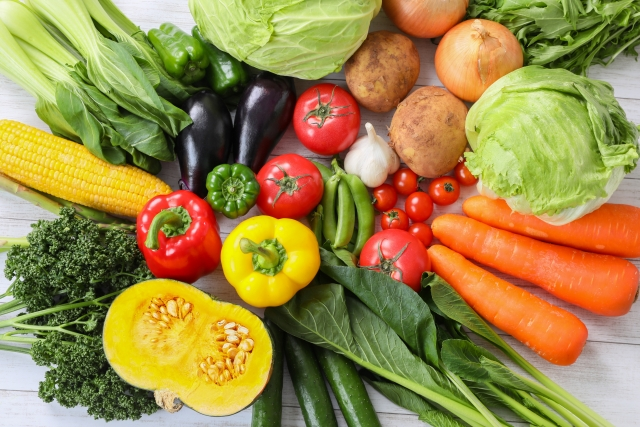 夏が旬の野菜や果物を食べると暑さを乗り切れると言われるのはなぜ?