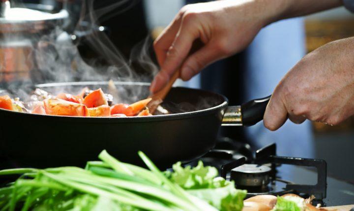 「カレンの台所」「バズレシピ」「レンジ飯」大ヒットレシピ本3冊の魅力を紹介