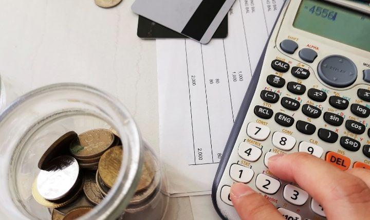 クレジットカードで生活費すべてを支払うのは本当にお得?