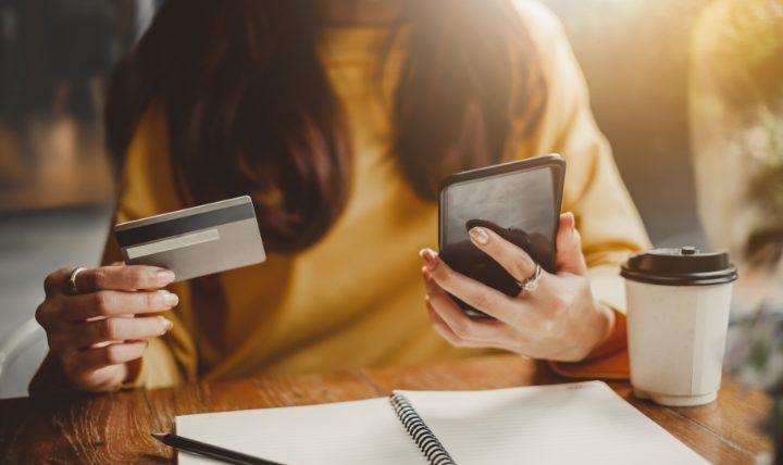 クレジットカードで生活費をすべて支払うと家計管理も簡単できる!